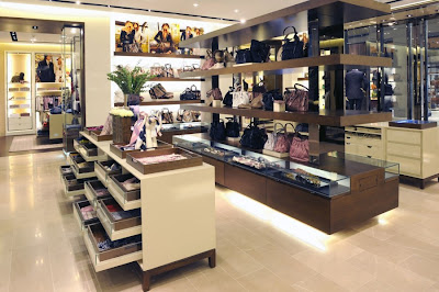 burberry store outlet xihk  The store features a full range of ready-to-wear from the Burberry London  collection for men and women as well as Burberry accessories including  bags,