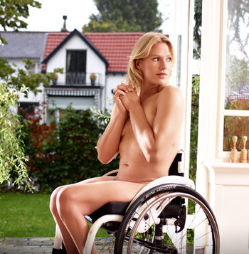 tennis player Esther Vergeer poses  for ESPN magazine body issue 350 x 357 217 kB png