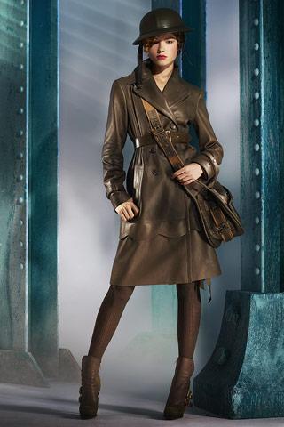 ...моды бренда Кристиан Диор (Christian Dior) переносит