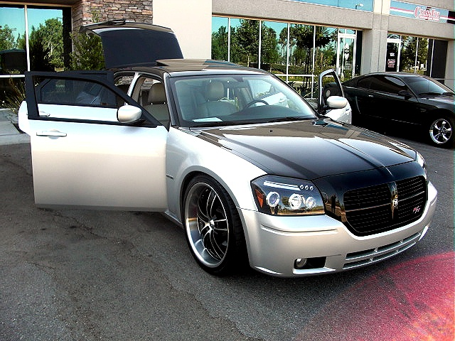 Custom Black Silver Dodge Hemi Magnum Rt Glorious Car