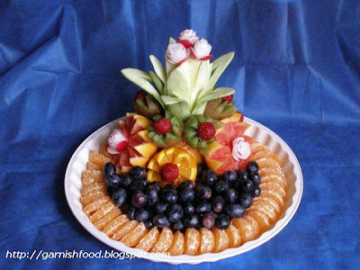 carving fruit plate