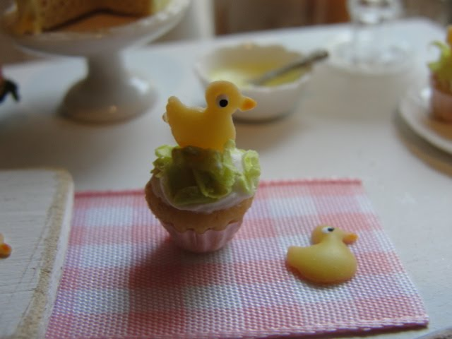 The  duckie cupcake