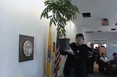 Image with Ficus - candidate for Congress in 2000, from Michael Moore movie