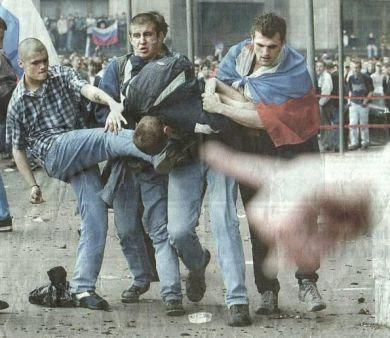 http://3.bp.blogspot.com/_R25fPdhACgQ/SEWQpYii7QI/AAAAAAAABUk/MDd0Vg7uFeU/s400/hooligan.jpg