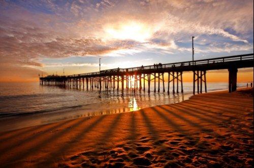 Foto Bayangan Pemandangan di Pantai