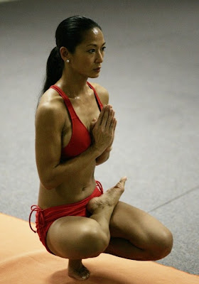 Sexy yoga girls pictures