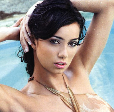 Laura Esposto is an Italian model and TV personality.