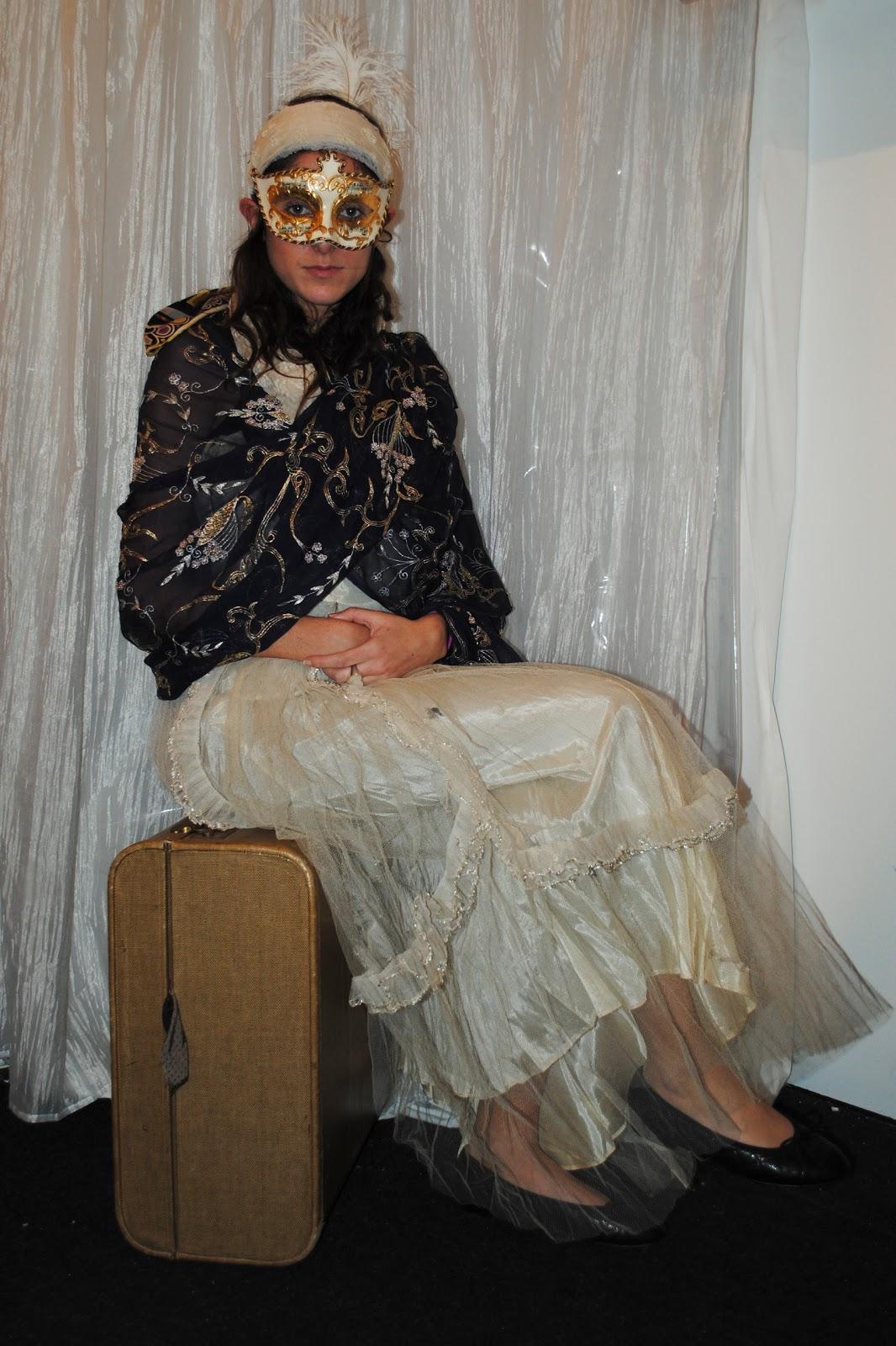 http://3.bp.blogspot.com/_R5AOi_Z2GmY/TOXHBpiKZ6I/AAAAAAAAAEY/3qHEND_5-8Y/s1600/Anastasia-+Gypsy+Princess+by+Chelsea+Morrison.jpg