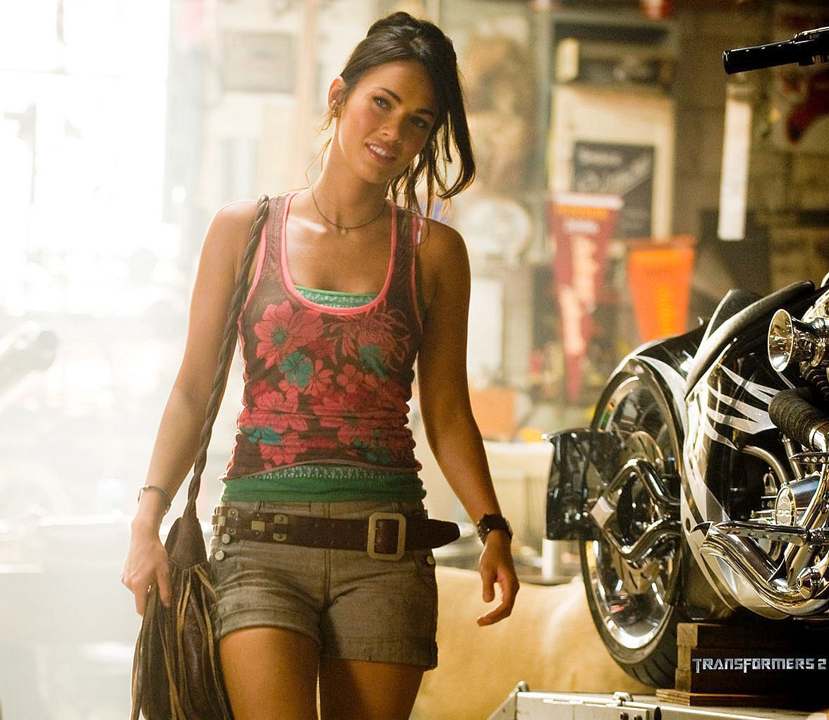 Lanagriffin sexy on cars bikes etc for Megane fox transformers