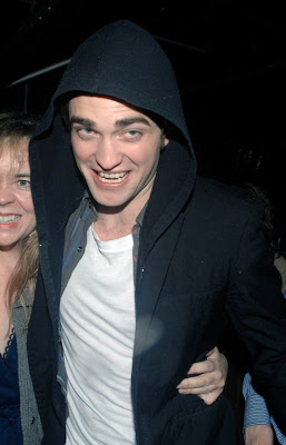 Happy Birthday Robert Pattinson on Jake Weird  Happy Birthday  Robert Pattinson