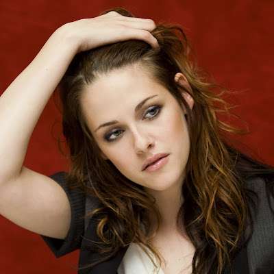 Kristen Stewart Weird on Jake Weird  Jake   Kristen Stewart  Hair And Lip Action