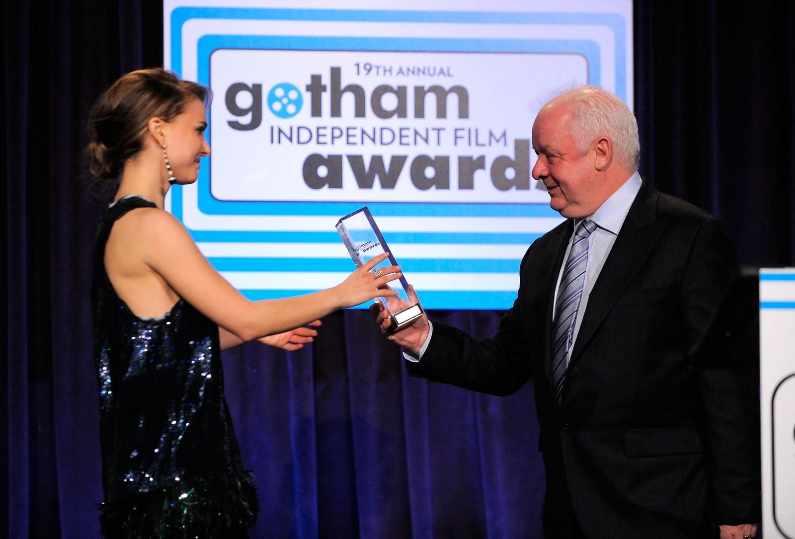 http://3.bp.blogspot.com/_R5WS6_kmmTI/SxW5RtatEGI/AAAAAAAAh-o/BTkDuwlYSpI/s1600/05368_Preppie_-_Natalie_Portman_at_IFPs_19th_Annual_Gotham_Independent_Film_Awards_949_122_230lo.jpg