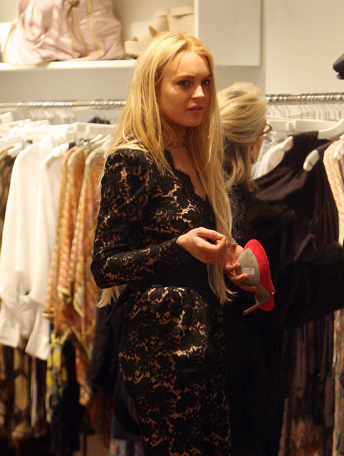 [11598_Preppie_-_Lindsay_Lohan_shopping_in_Manhattan_-_Dec._27_2009_11_122_484lo.jpg]