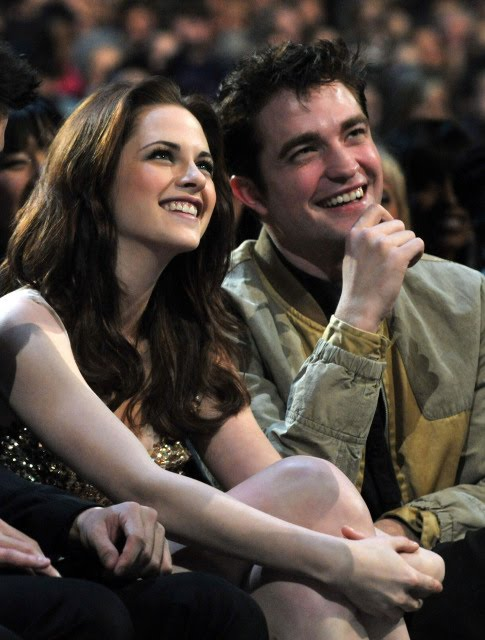 Robert Pattinson And Kristen Stewart At People. Kristen Stewart and Robert