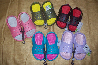 ba60c849a6f999 Store  R  Us  Crocs Kids Scutes C6 7   C10 11 NWT