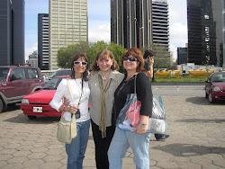 En Puerto Madero con Silvia y Lili