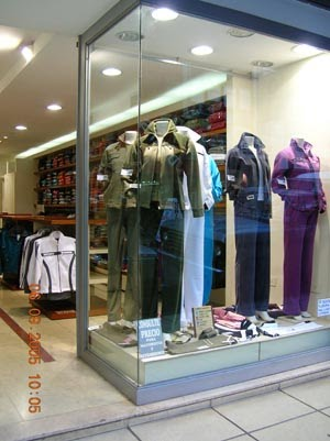 Ropa femenina accesorios deportivos para mujeres for Distribuidora ropa interior
