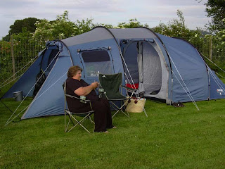 This is my Oregon 600. I was on a c&ing trip in 2006 to Woolfest in Cockermouth. This was a rare trip without my family...I went with my friend Shona ... : put up tent - memphite.com