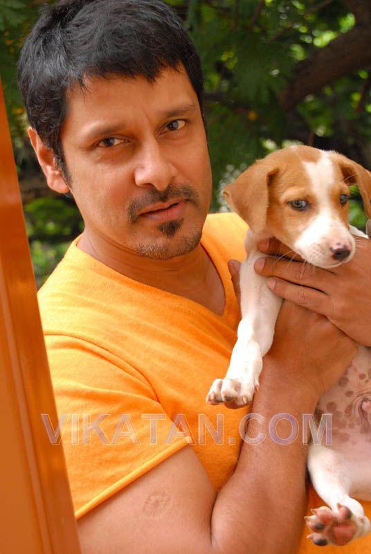 http://3.bp.blogspot.com/_RAi9jss6C9o/TQYfXm_9GcI/AAAAAAAACtA/SCqNjqwLKks/s1600/Chiyaan+vikram+Latest+Photoshoot+in+Vikatan.com+%252825%2529.jpg
