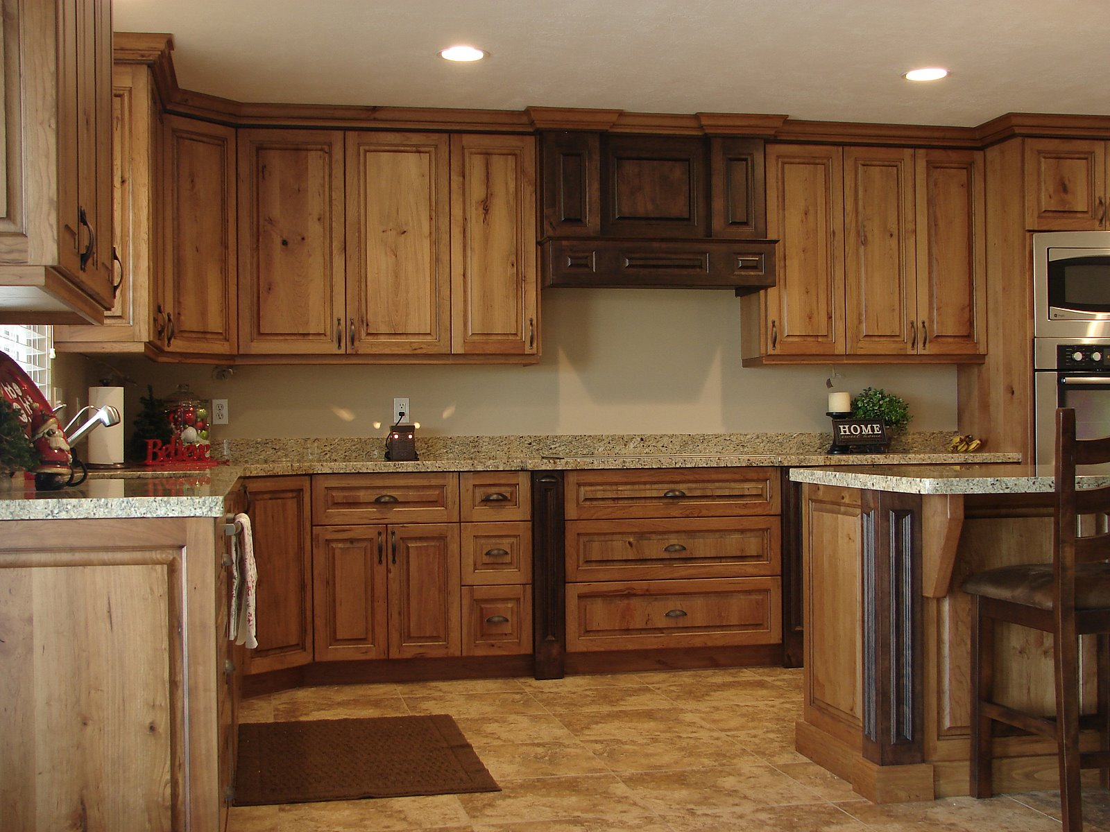 Lec cabinets rustic cherry cabinets for Cherry kitchen cabinets