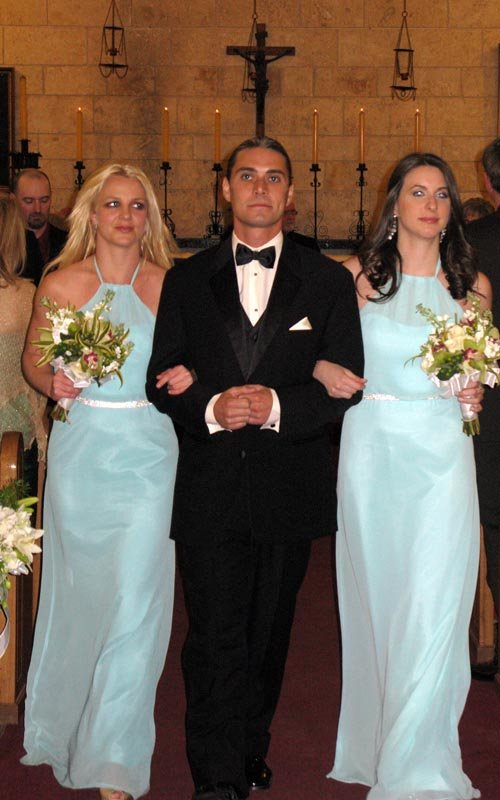 She And The Other Bridesmaid Are Attractive Women With Nice Figures They Look Terrible In These Dresses Pale Blue Is A Really Unflattering Color