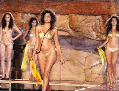 http://fashion-fashion123.blogspot.com/2012/05/lingerie-pictures.html