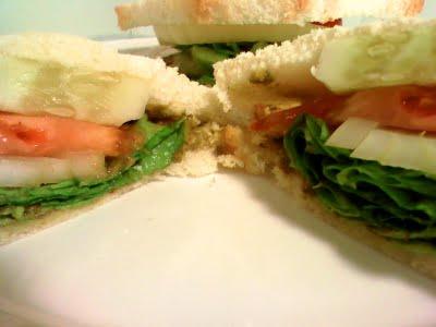 [Shri+Cilantro+Pesto-Hummus+s_w]