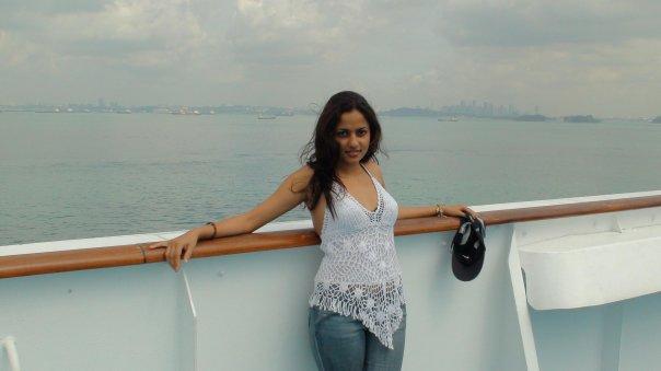 Srilankan Actress Udari Warnakulasuriya Sexy photos, Udari Warnakulasooriya Borukari ODEL