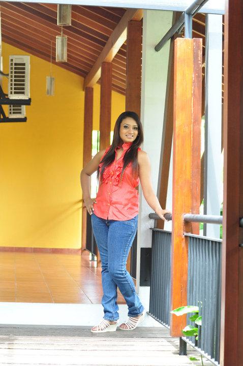 Nadini Premadasa hot photos