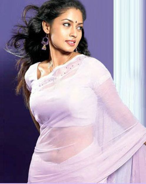 Actress Pooja Umashankar boobs Photos