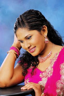 Nilupuli Dilhara hot snaps