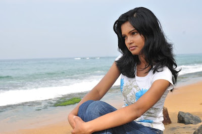 Chami Dilrukshi hottest photos