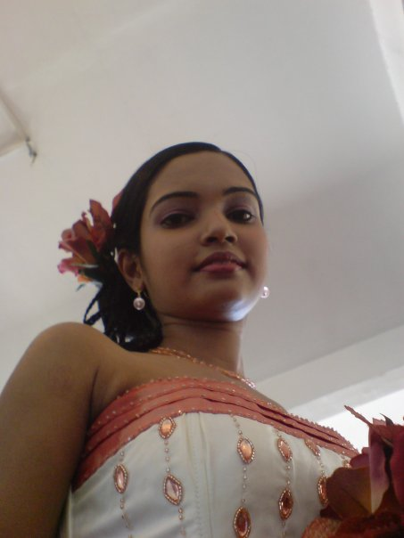 Chami Dilrukshi sexy photos