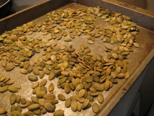 La cuisine de sophie au printemps graines de citrouilles - Graines de citrouille grillees au four ...