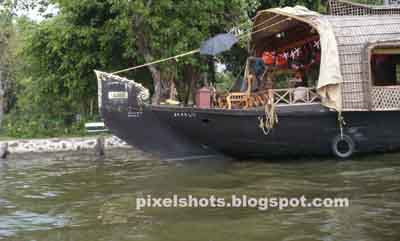 house boats,kumarakom,backwater tourism,kerala-backwaters,river-cruises,vembanadu,kerala-tourism