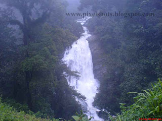 munnar-waterfalls-photos,water falls photograph from the way to munnar hill station kerala tourist spot