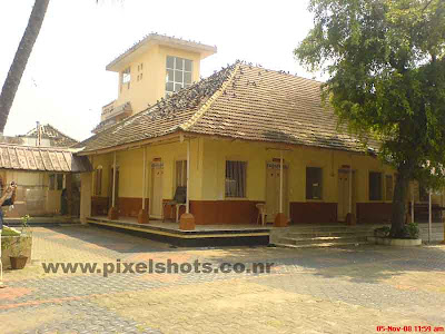 old buildings around the jain temple of cochin kerala,kerala-jain-temples