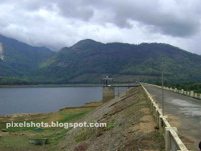 small irrigation projects in kerala state,poothundi dam and spill way photograph