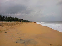 kollam beach,monsoon photos of kerala beaches,quilon beach,kerala beaches,kollam,beach with park infront,kollam beach with MG park