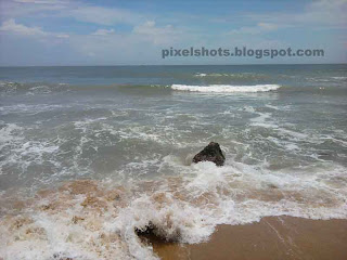 southern kerala beach, south indian famous beaches, tropical beach photos,small beach rocks in kerala beaches