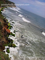 varkala beach photos,beaches of varkala photographed from mountain top,thiruvambady beach of varkala,arabian sea waves in varkala beach,south kerala beaches,monsoon sea waves in varkala