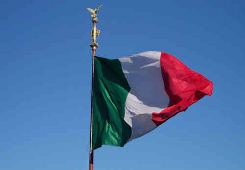 2 giugno festa della repubblica storia poesie immagini for Bandiera di guerra italiana