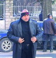 Борисов е само един шумен нарцистичен самохвалко, при който еволюцията е наблегнала не на мозъка, а на тестостерона