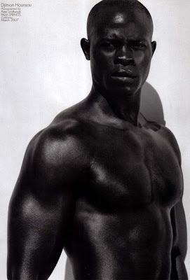 En ce moment à la télé... - Page 12 Djimon_hounsou_shirtless_6