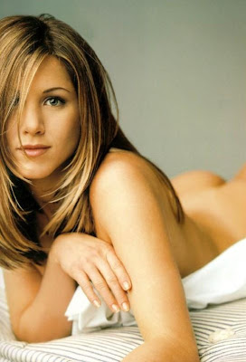 nude jennifer aniston
