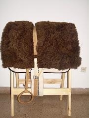 Estribos chaqueños con estriberas de cuero crudo con argolla $ 195