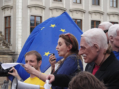 Václav Klaus a Holubová pokládá otázky