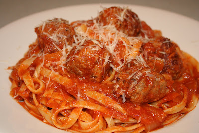 FETTUCCINE AND MEATBALLS