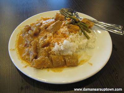 Nasi Campur - nasi puteh + gulai tunjang + gulai nangka RM7.50