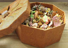 Potpourri in DIY Cardboard Display Box via Esprit Cabane